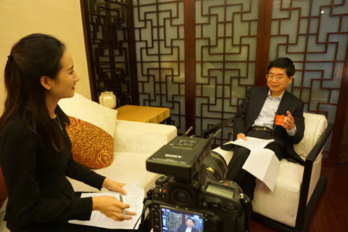 郑继伟:要为大学生搭建更多创新创业教育的平台