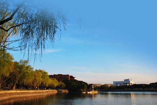 上海交大至今已跨越三个世纪,走过了120年的光辉历程.