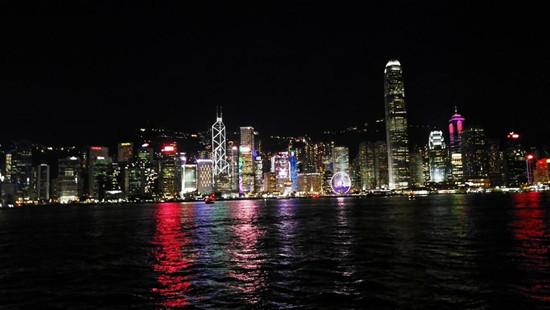 维多利亚港灯光表演_组图:乡村教师眼中的香港印象--教育--人民网