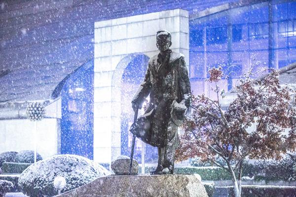 大学邂逅初雪,哪一所高校让你心驰神往?