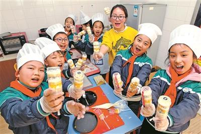 成長浸透著汗水的味道浙江一小學推行勞動教育