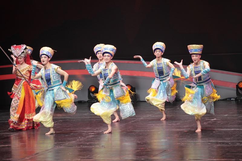 全国第六届中小学生艺术展演活动苏州开幕
