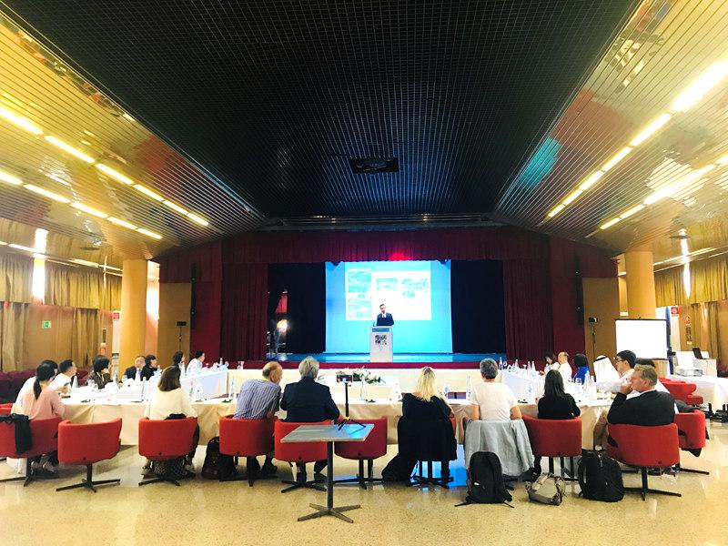 首届全球化与青年国际论坛举办引导青年友好合作、共享未来