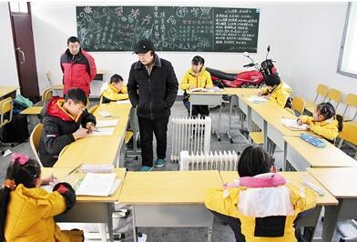 7个学生3名教师在风雪中他们迎来了期末考试