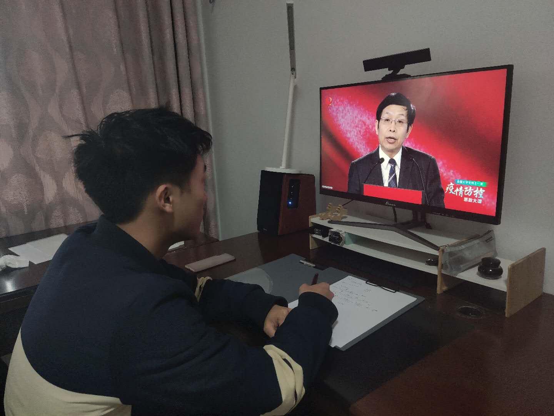 """疫情防控思政大课""""云""""开讲""""挤崩视频平台""""反响热烈"""