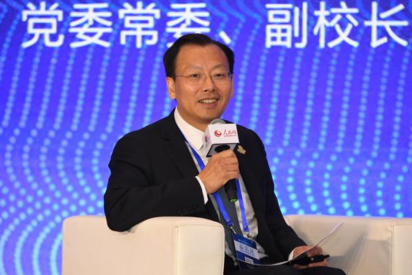 李凤亮:兴办新型研究型大学需要聚焦国家重大战略问题