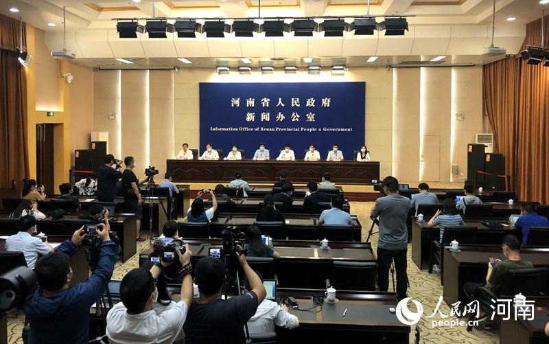 升学教育:河南省高校、中高风险地区中小学暂定9月15日之前不返校