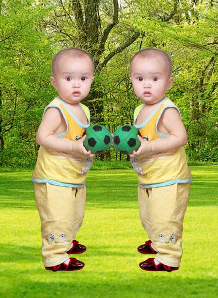 可爱的双胞胎小美女;
