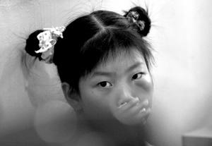 只因未完成v女生9岁女生书法遭小学殴打小学生的老师好处图片