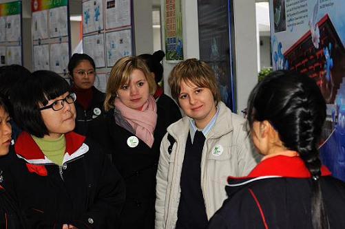 上海周浦中学开展迎世博英语国际展示日活动