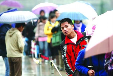 而青岛理工大学的就业指导中心的杜主任也表示,受经济回暖影响,今年该
