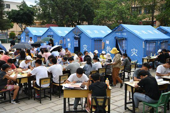 云南漾濞县高三学生复课备战高考